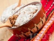 Рецепта Варено жито с грухана пшеница, мед, орехи и стафиди за десерт за Бъдни вечер